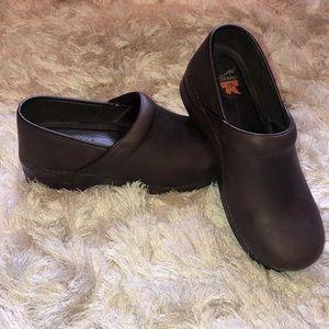 Women's Dansko XP leather shoes size 45